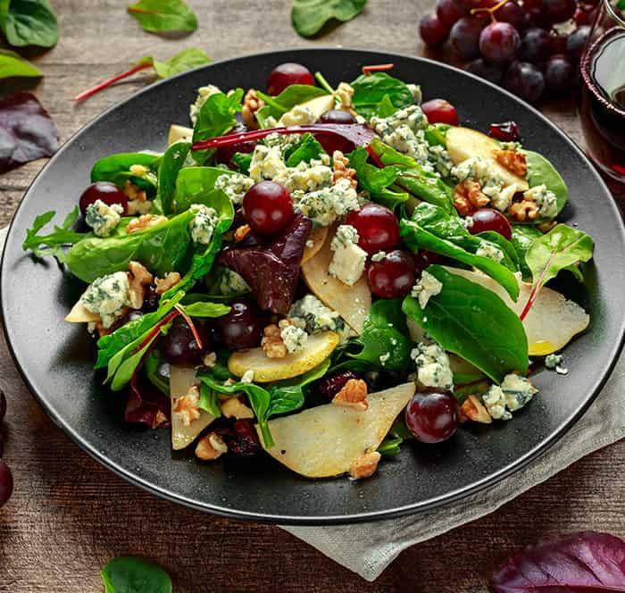 Herbstlicher Salat mit gebratenem Kürbis
